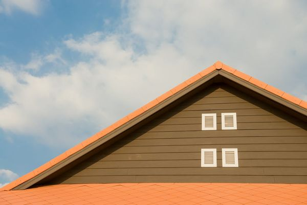 The Pro's and Con's of 5 Common Siding Materials