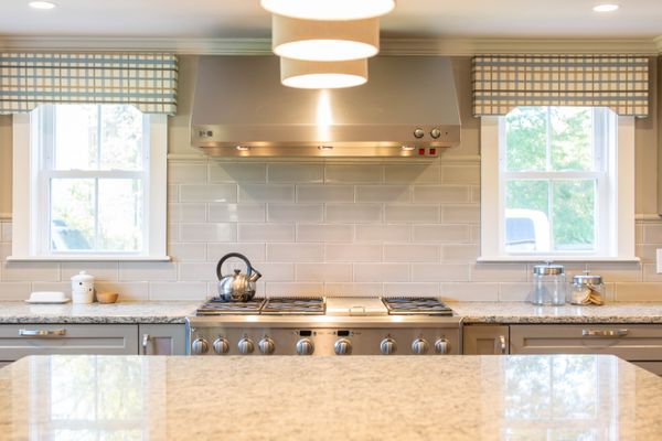 Choosing a Range Hood for Your Kitchen in 2020